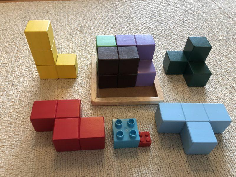 賢人パズルの大きさをレゴブロックと比較